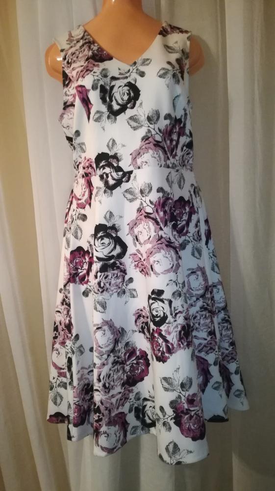 Piękna suknia rozmiar 40