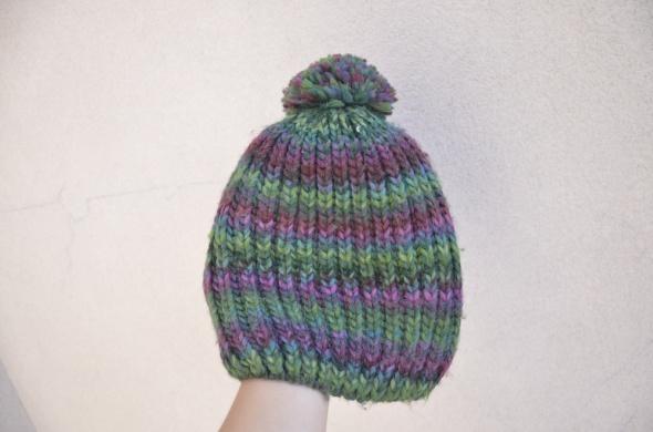 RESERVed czapka z pomponem zielono fioletowa
