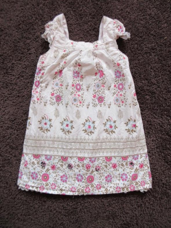 Letnia elegancka sukienka wzory kwiaty