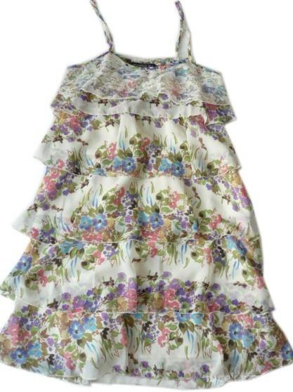 Atmosphere pastelowa sukienka falbanki kwiaty
