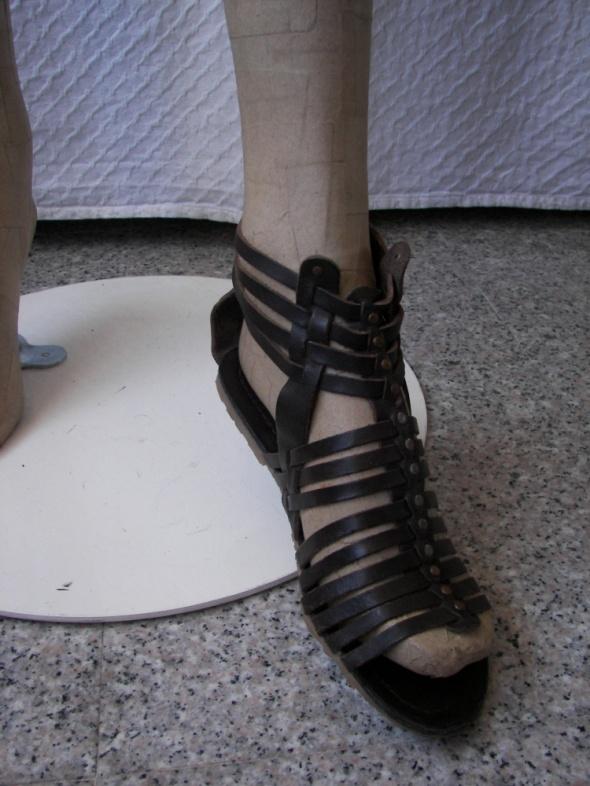 skórzane sandałki