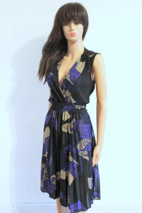 Czarno fioletowa plisowana sukienka bez rękawów r S...