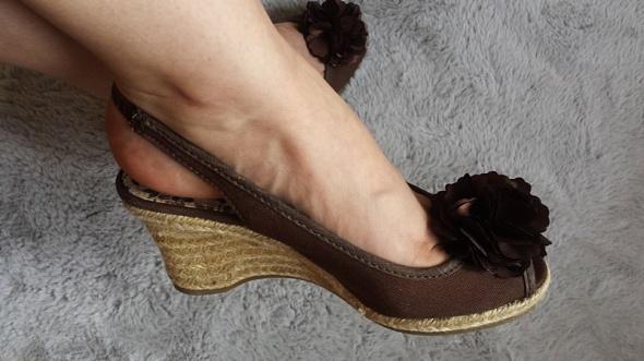 Nowe koturny Sandałki Jennifer CCC klapki sandały czekoladowe...