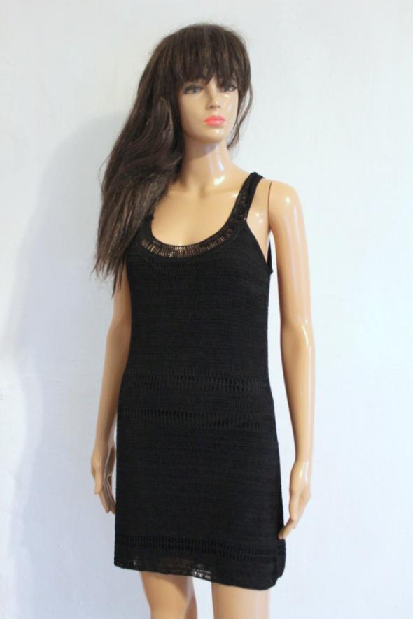 Czarna sukienka na ramiączkach koronkowa lata 20 r S