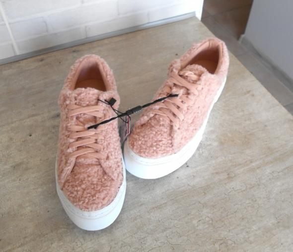 Zara nowe futrzane trampki pudrowy róż futerko tenisówki