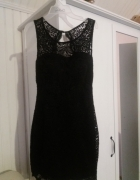 Czarna sukienka koronkowa...