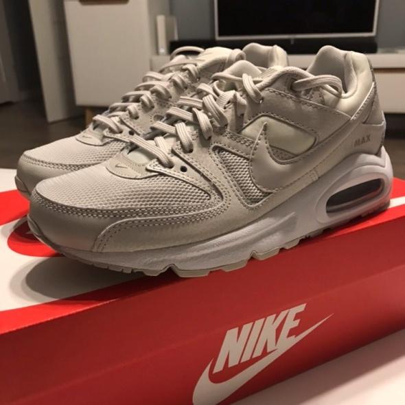 Adidasy Nike Air Max Command rozmiar 38 wkładka 240 cm...