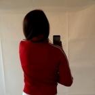 czerwona bluza sportowa