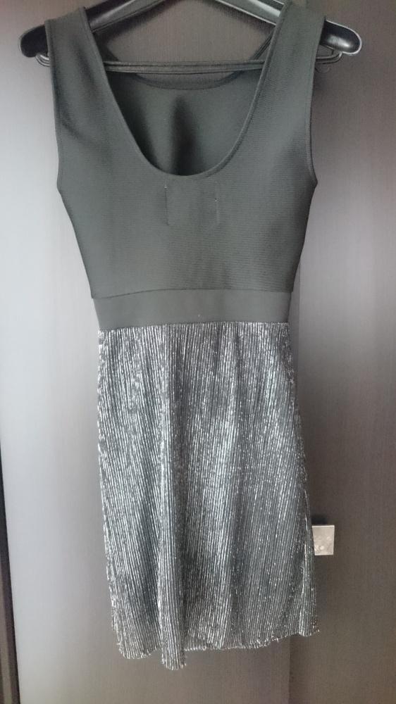 Sukienka Vero Moda czarno srebrna 36...