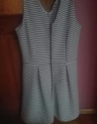 Sprzedam ładną sukienkę Sinsay rozmiar XL...