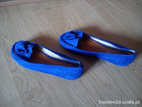 Kobaltowe baleriny 37 Reserved