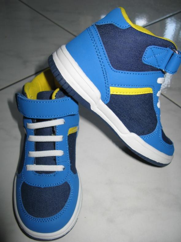 F&F niebieskie obuwie trampki chłopięce roz 28