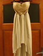 Piękna złota sukienka