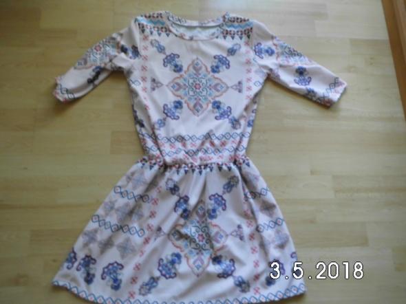 modna i wygodna sukienka