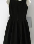 Czarna sukienka rozkloszowana S XS