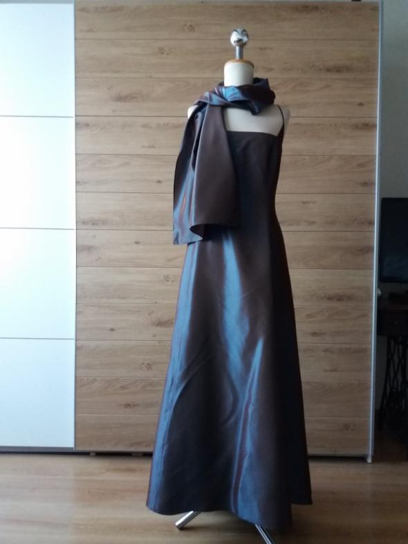 Piekna suknia C&A...
