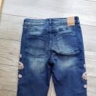 Spodnie Mohito jeansy dziury hafty boyfriend