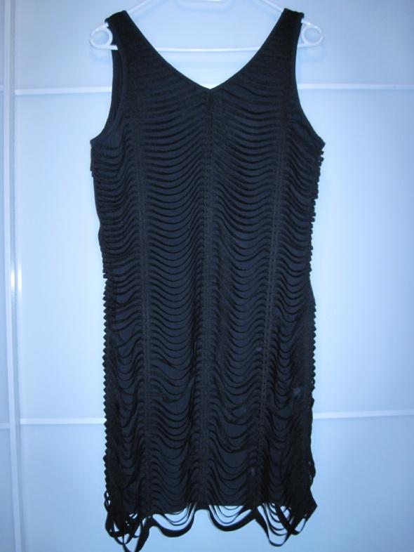 Vila krótka czarna sukienka z gumkami 40