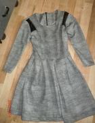 Szara sukienka rozkloszowana 34