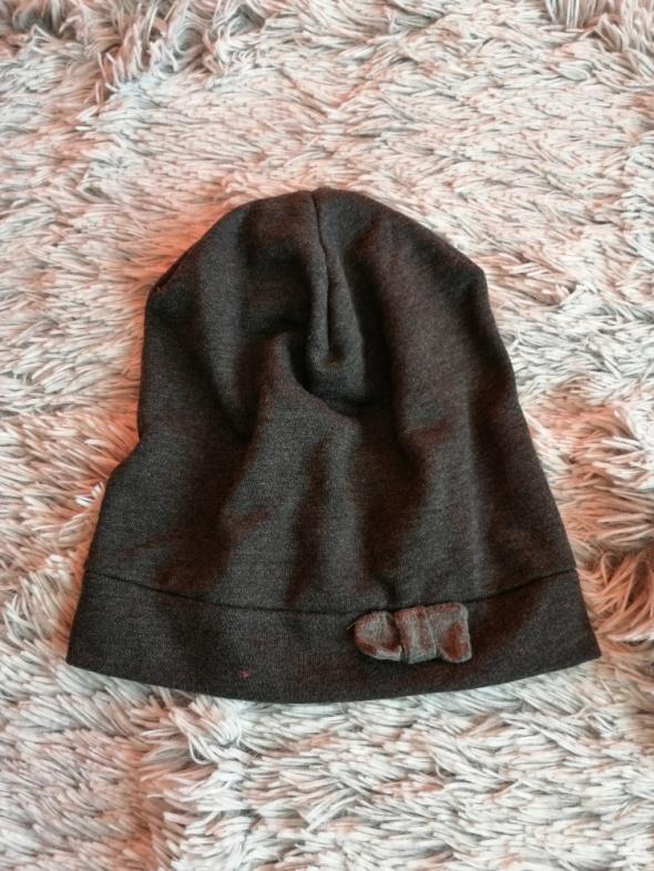 wiosenna czapka