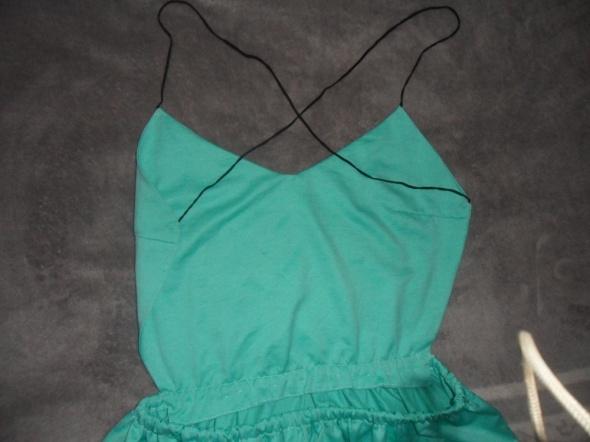 letnia sukienka bez pleców