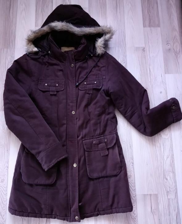 Brązowa przedłużana kurtka zimowa...