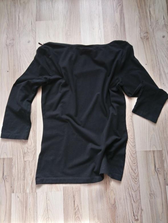 Czarna bluzka Mohito...
