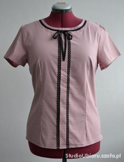 T-shirt Bluzka ozdobiona czarną koronką rozmiar 44