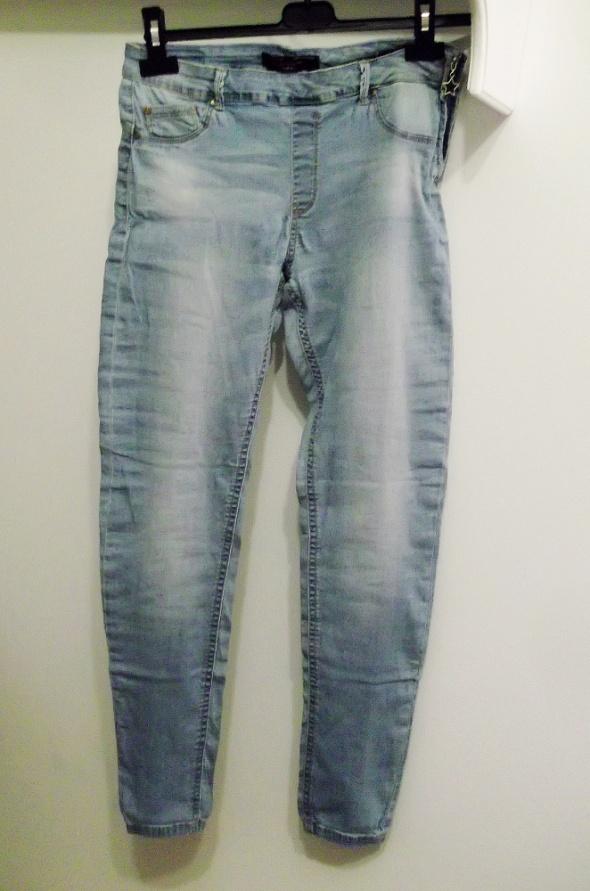 spodnie jeansowe rurki Bershka rozmiar M...