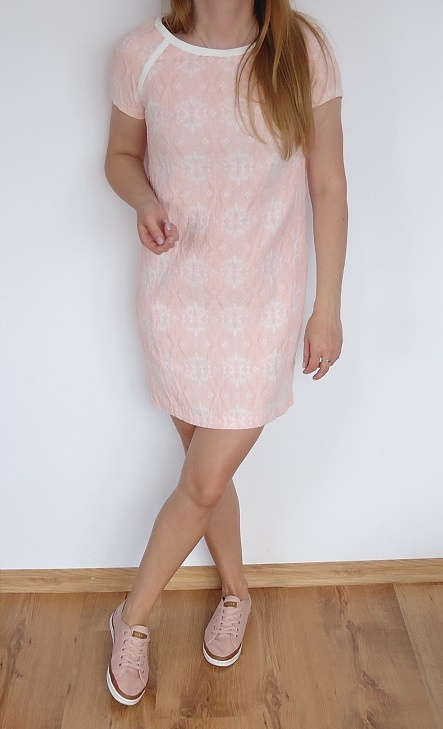 sukienka Reserved 36 fakturowa pudrowa...
