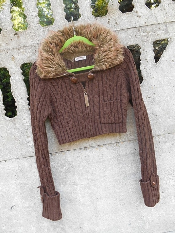 Sweter Bolerko 40 L Terranova kołnierz futerko