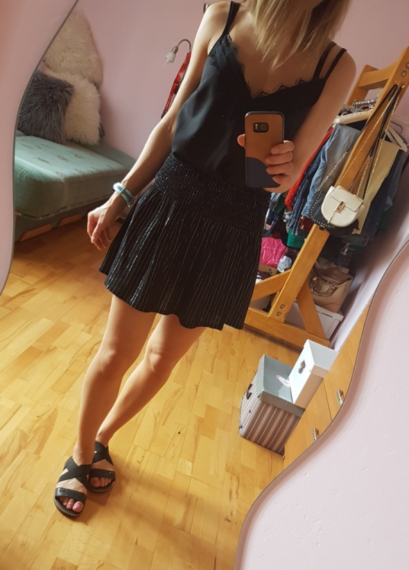 Czarna spódnica Mini Nowa 36 38...