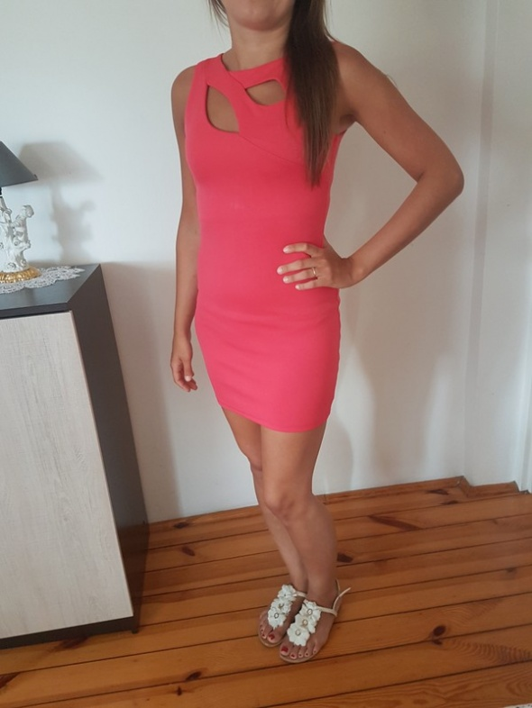 Sukienka neon różowa rozmiar M