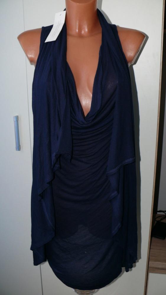 Ołówkowa dopasowana sukienka...