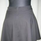 czarna rozkloszowana spódnica 36