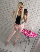 Eleganckie spodnie fresja pudrowe z paskiem...