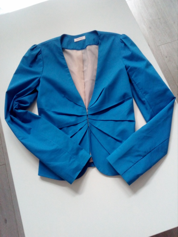 Niebieska marynarka Orsay...