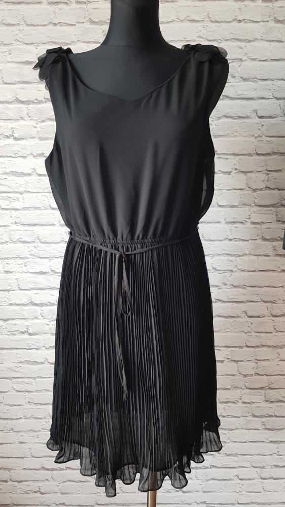 Czarna sukienka byoung 42...
