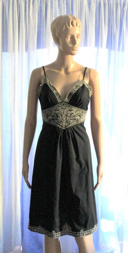 Czarna sukienka na ramiączkach r S...