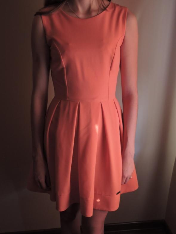 sukienka łososiowa