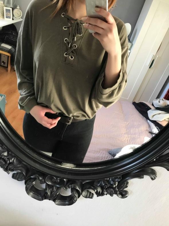 Bluza z wiązaniem