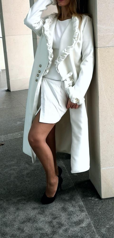 Biały płaszcz Pojedynczy egzemplarz
