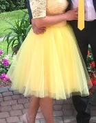 Kanarkowa sukienka...
