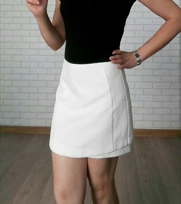 Topshop spódniczka biała lekko trapezowa