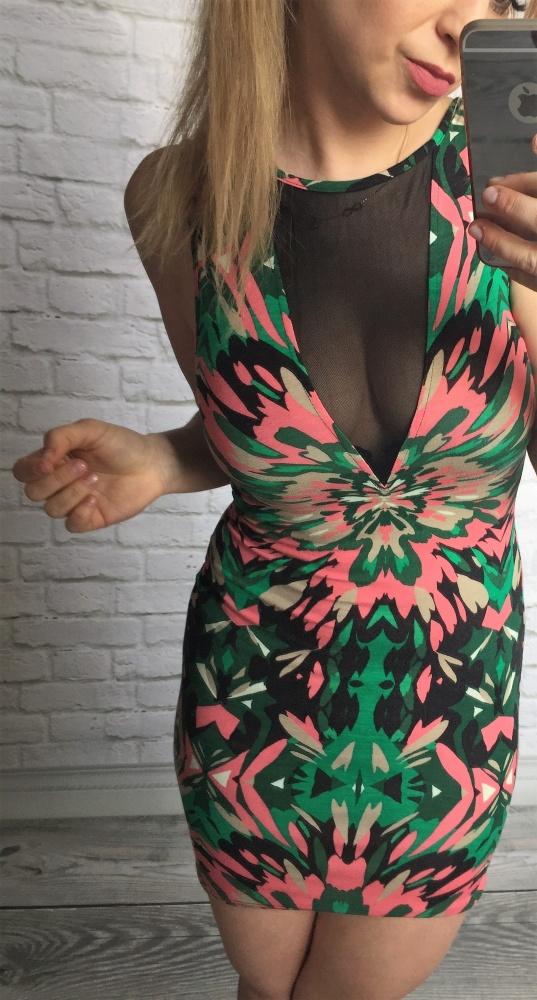 kolorowa sukienka wyciecia siatka MEGA
