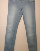 Jasne jeansy błękitne rozmiar S...