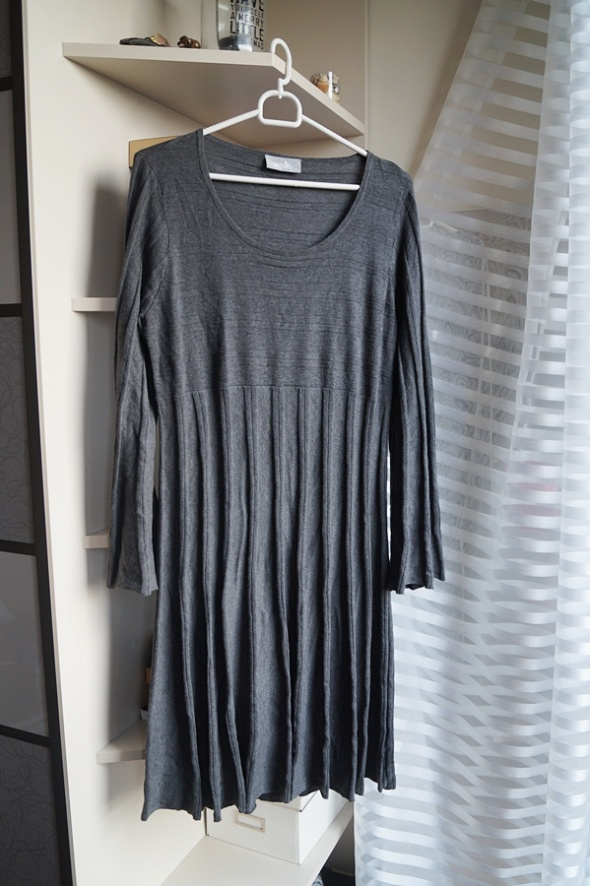 Szara sukienka Wallis L...