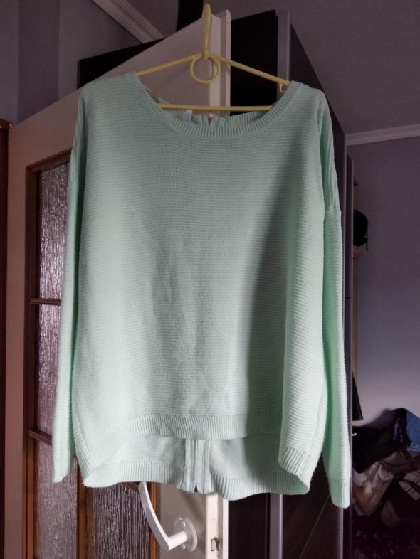 Sweter z ozdobnym tyłem i zamkiem roz 40 42 oversize