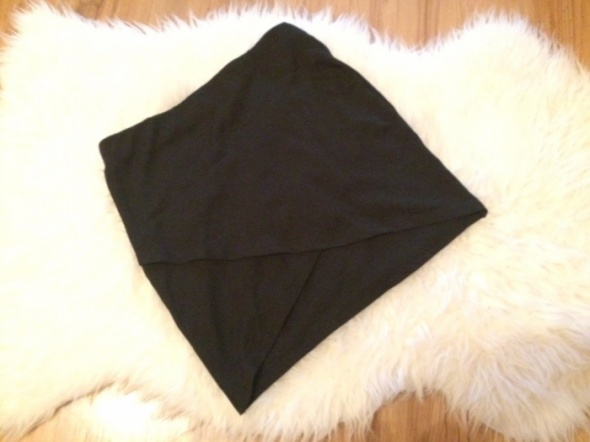 Asymetryczna czarna spódniczka spódnica mini butik H&M zara S tuba