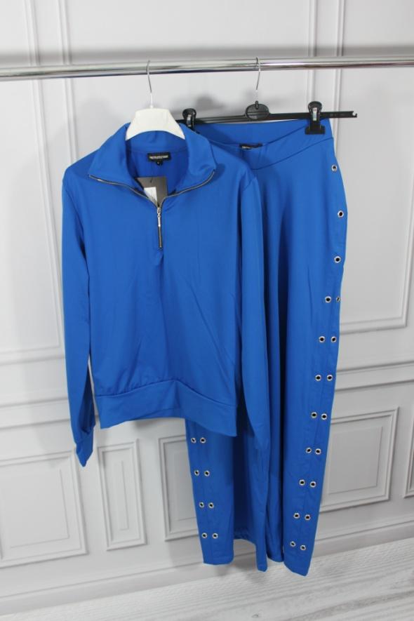 Niebieski dres komplet nowy S